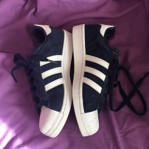 Addidas shell toe Superstar shoes 👟